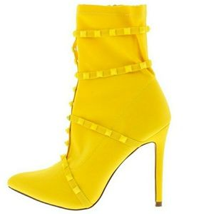 Shoes - ⬇💥SALE!💥NEW!💥 Yellow Stiletto Ankle Boots